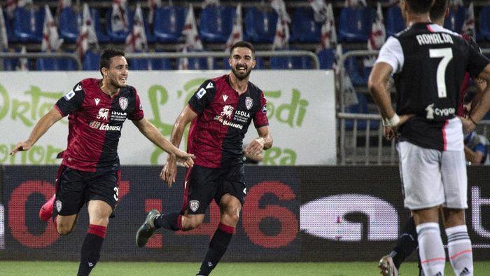 Cagliari taklukkan Juventus 2-0