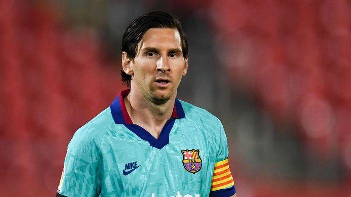 Lionel Messi kabarnya telah berubah pikiran dan batal meninggalkan Barcelona