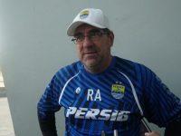 Pelatih Persib Punya Pengalaman Tak Terlupakan bersama Pele