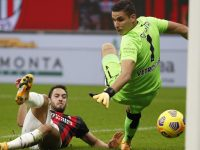 Situasi Hakan Calhanoglu Belum Jelas, MU Berpeluang Besar Boyong Gelandang AC Milan